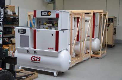 kompresory připravené k prodeji i zapůjčení - ilustrační foto